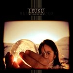 LEUKU | Blindfolded